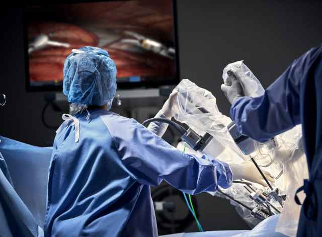 operating-room-staff-with-vision-cart.jpg